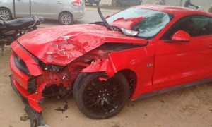 ford-mustang-crash-india-3