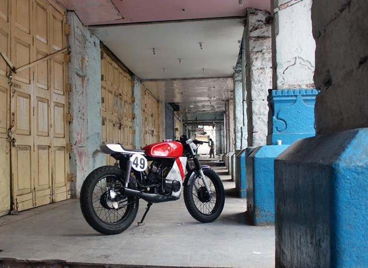 ironic-engineerings-yamaha-rx100-cafe-racer-3