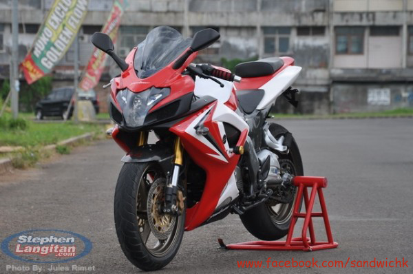 Modified Bajaj Pulsar 220F