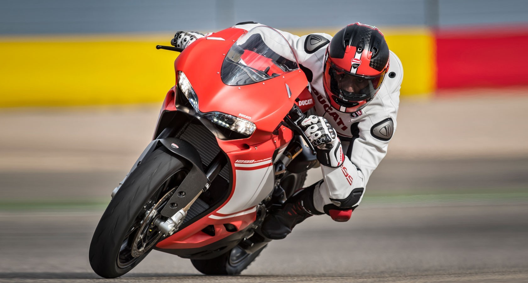 ducati 1299 superleggera price, specs, review, pics & mileage in india
