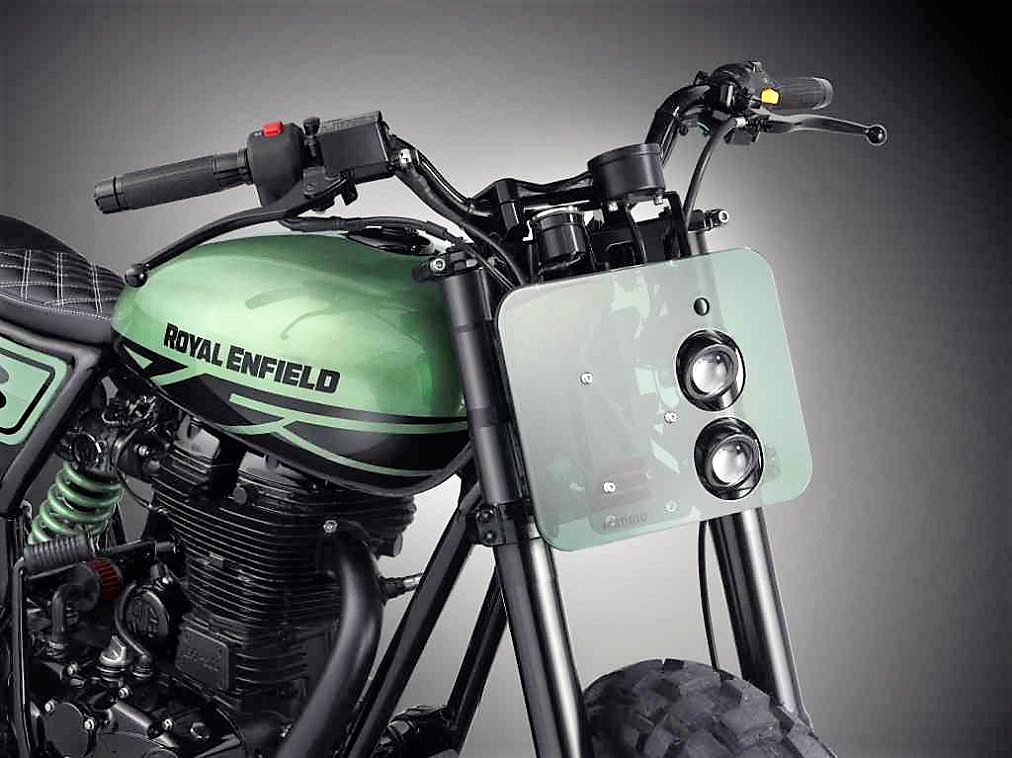 royal-enfield-classic-500-green-fly-headlamp