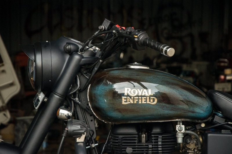 Free Flow Exhaust >> Royal Enfield Classic 350 'Thakur' by EIMOR Customs ...