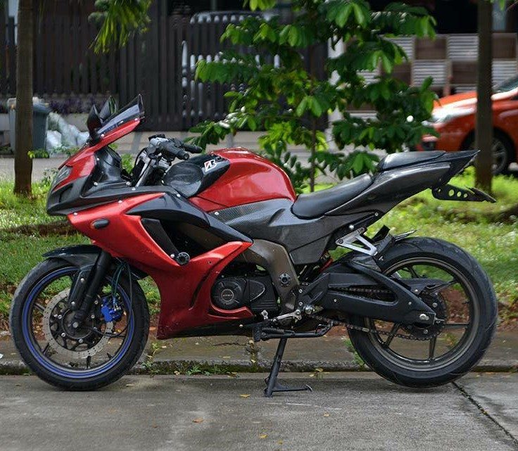 Bajaj Pulsar 220 Sports Version